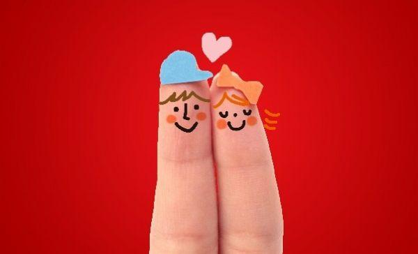 指人形のカップル