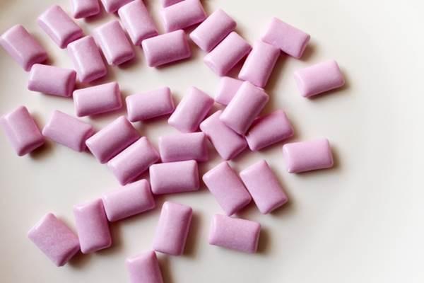 紫色のチューインガム