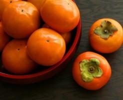 たくさん盛られた柿