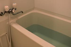 風呂場の浴槽