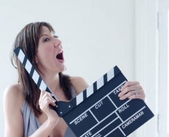 映画スタッフの女性