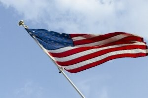 風に揺れる星条旗