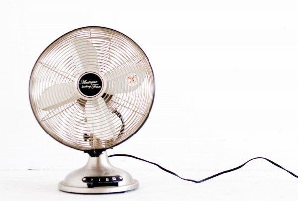 レトロデザインの扇風機