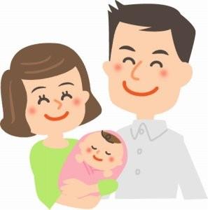 赤ちゃんの誕生を喜ぶ両親