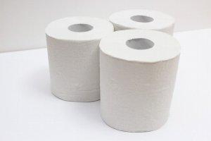 3本のトイレットペーパー