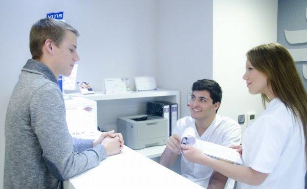 外国の病院の受付